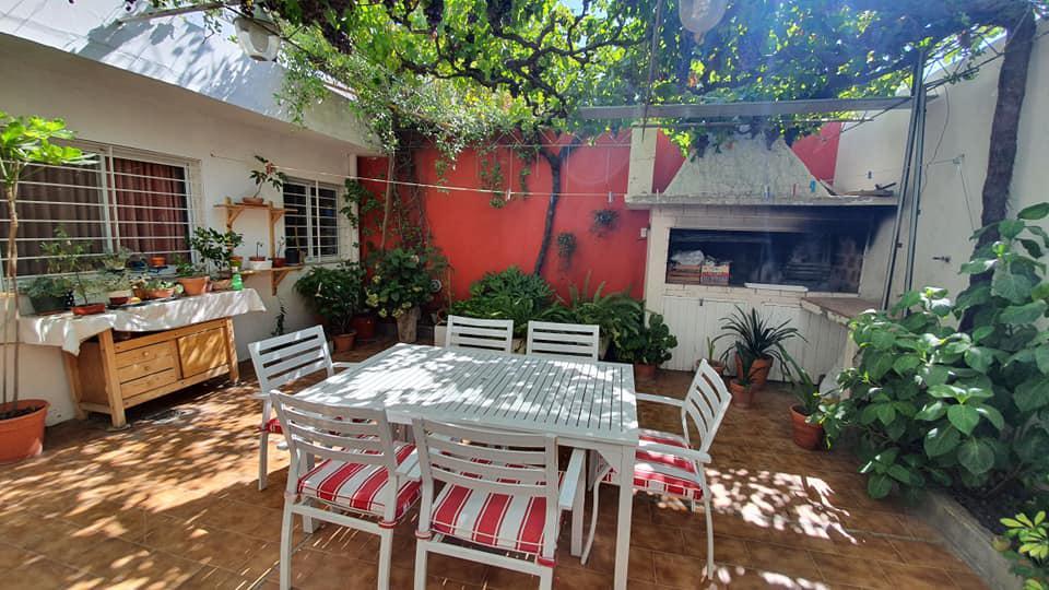 Foto Casa en Venta en  Área Centro Sur,  Capital  Don Bosco al 300