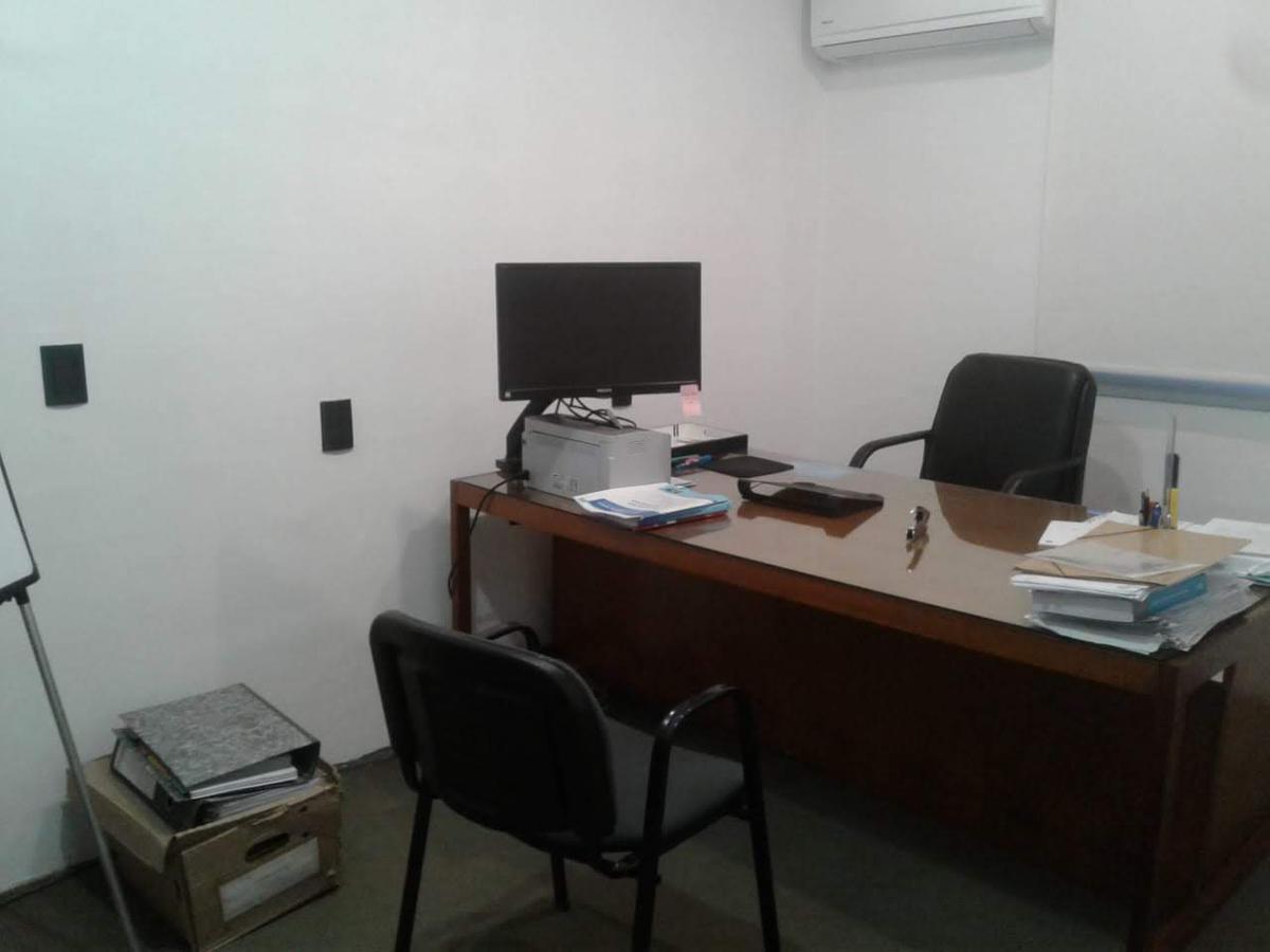 Foto Oficina en Alquiler en  San Cristobal ,  Capital Federal  BERNARDO DE IRIGOYEN al 400
