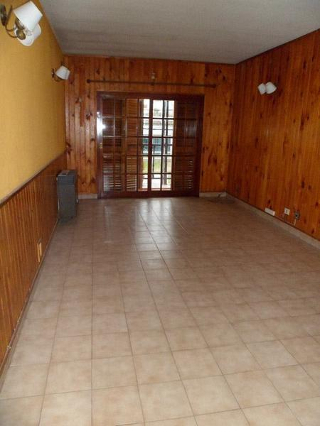 Foto Casa en Venta en  Campana ,  G.B.A. Zona Norte  Alberti al 500  PLANTA ALTA