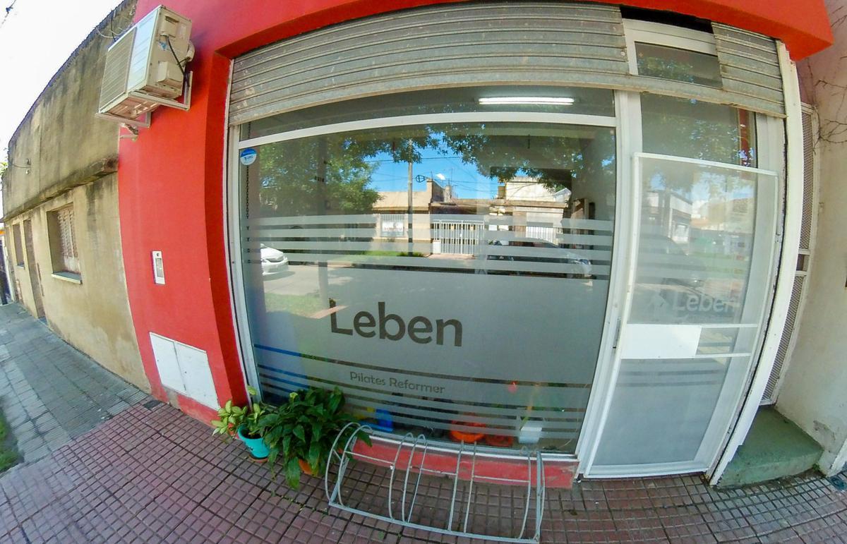 Foto Local en Venta en  Sarmiento,  Rosario  Victor Mercante al 600