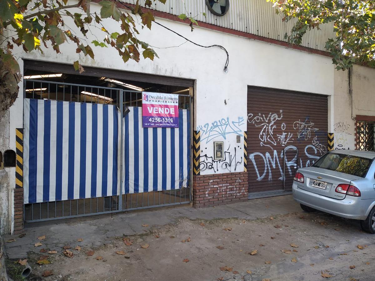 Foto Galpón en Venta en  Berazategui,  Berazategui  Calle 149 e/9 y 10