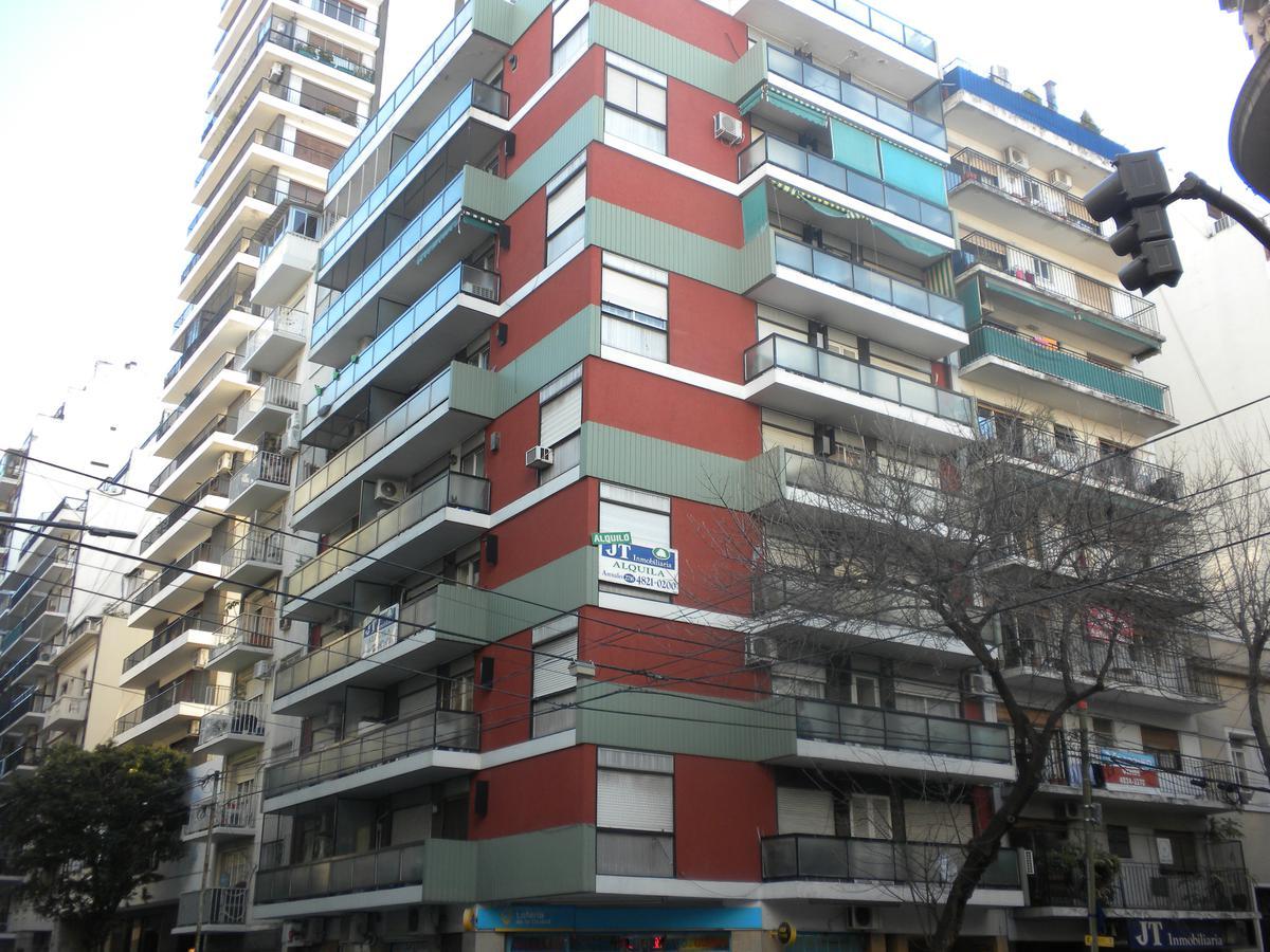 Foto Departamento en Alquiler en  Barrio Norte ,  Capital Federal  Arenales 2708 8º C