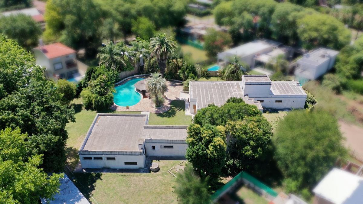 Foto Casa en Venta en  Villa Elisa,  La Plata  13 E/ 421 y 421 bis