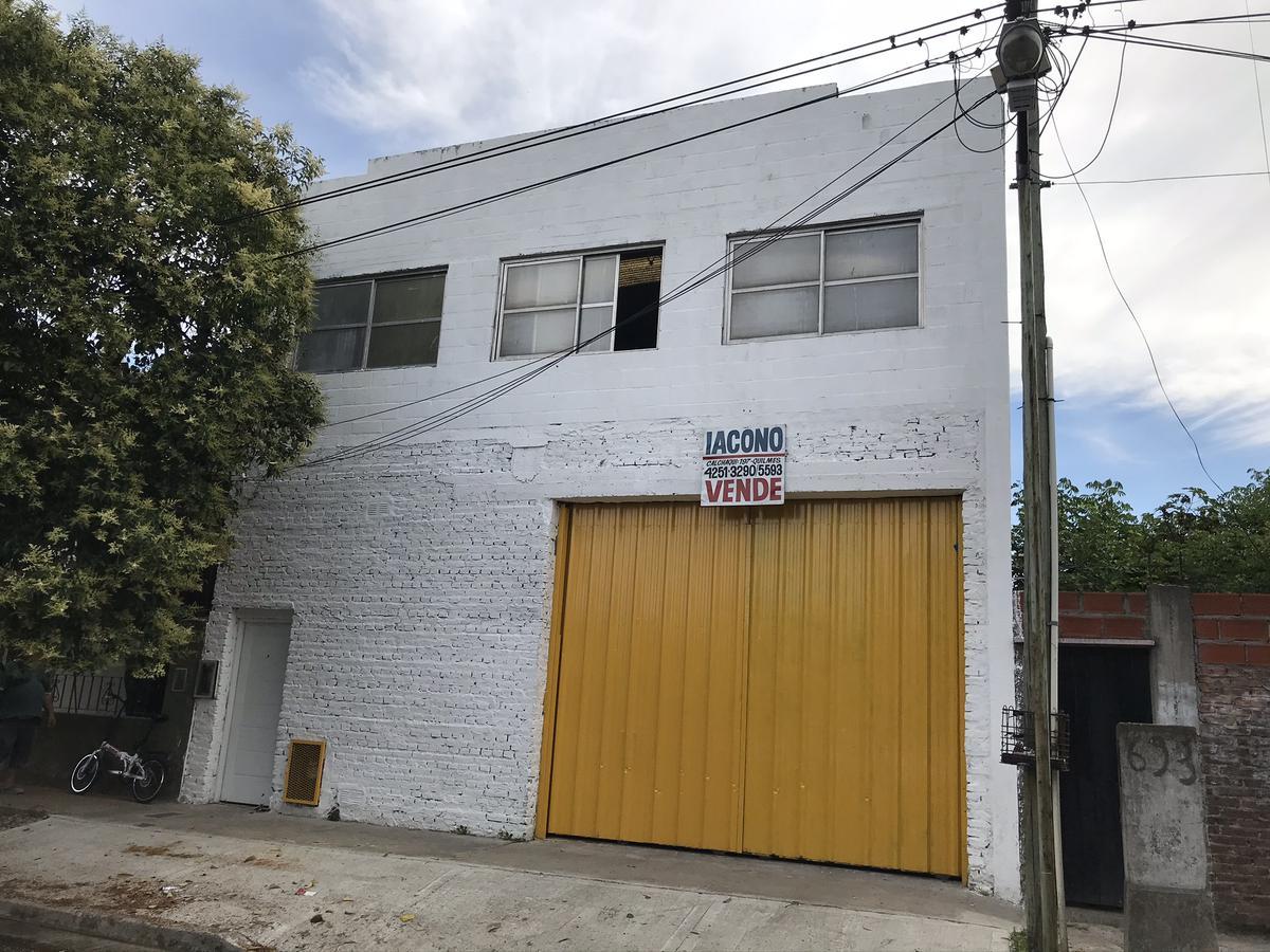 Foto Galpón en Venta en  Bernal Oeste,  Quilmes  Jose Luis Cabezas n° 347 entre Zapiola y Ameghino