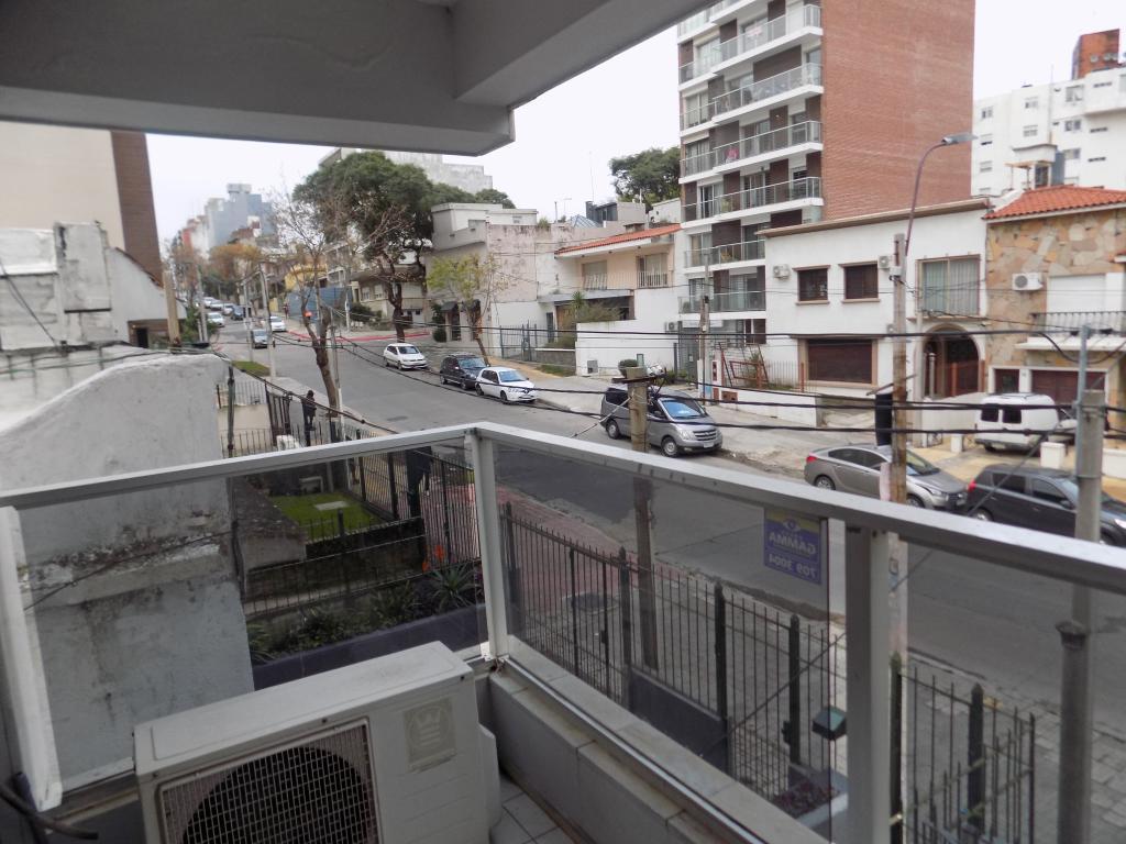 Foto Departamento en Venta en  Pocitos ,  Montevideo  26 de Marzo y Osorio