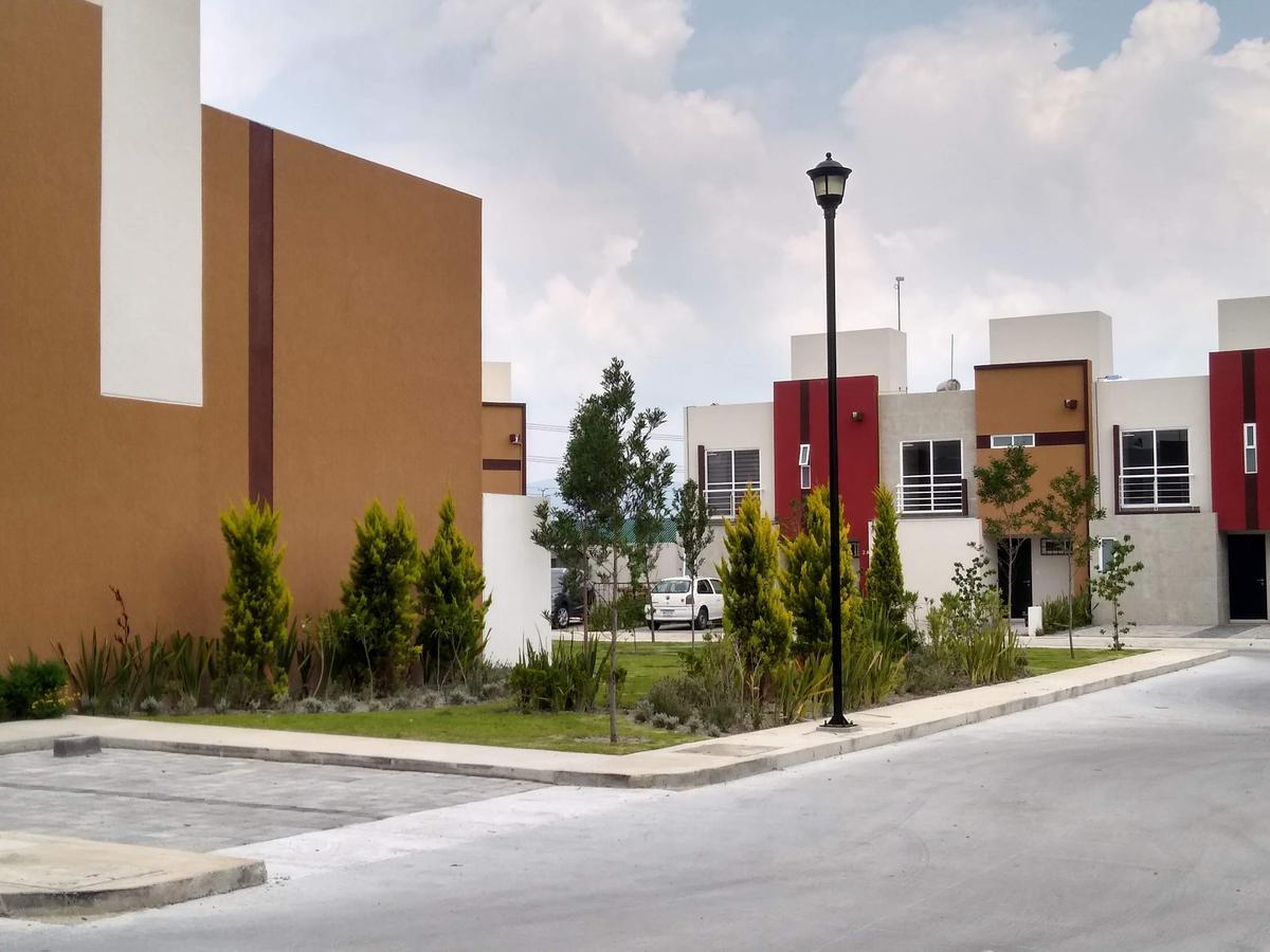 Foto Casa en condominio en Venta en  San Pedro Totoltepec,  Toluca  Venta de Casa  en Las Misiones III Toluca, Tres Recamaras, Dos Autos, Garage, Jardín, Privada