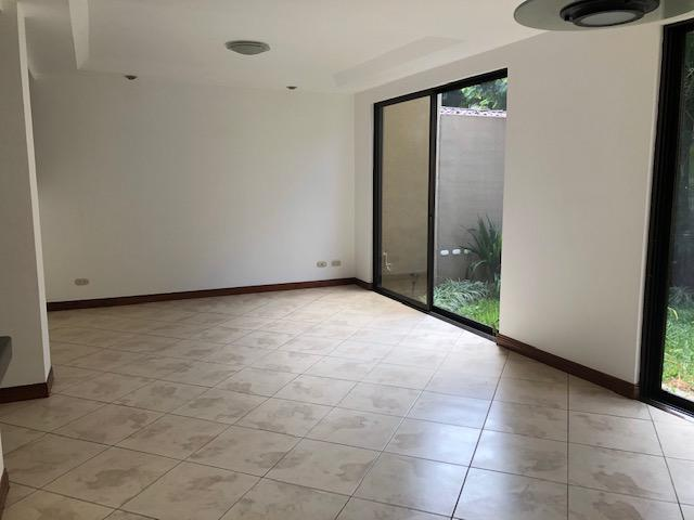 Foto Casa en Renta en  Mata Redonda,  San José  Guachipelin Sur / 3 habitaciones / Tenis / Piscina / Céntrico