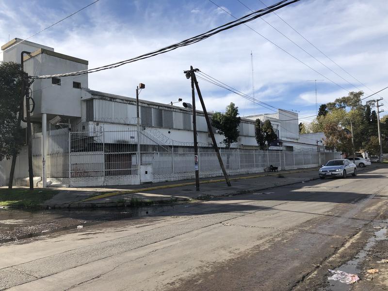 Foto Nave Industrial en Venta en  Pablo Podesta,  Tres De Febrero  Churruca 8765