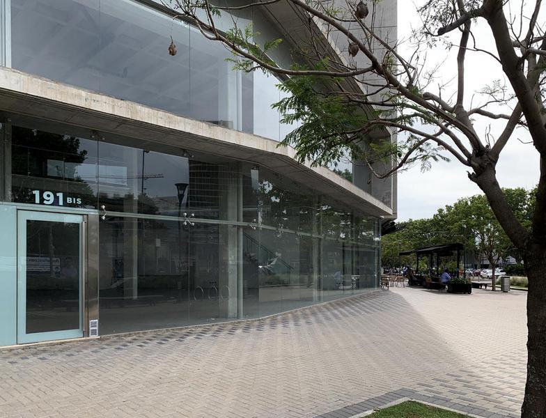 CASEROS al 100, Rosario, Santa Fe. Alquiler de Comercios y oficinas - Banchio Propiedades. Inmobiliaria en Rosario