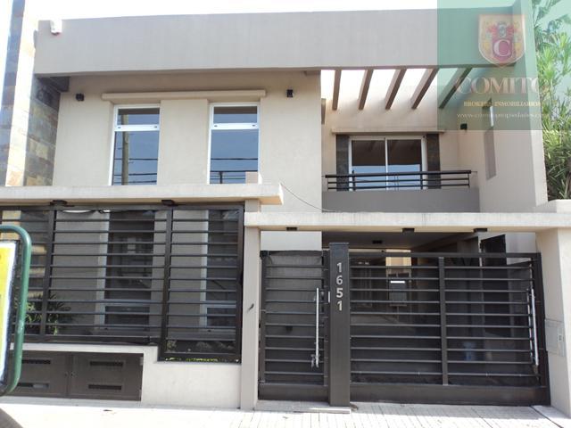 Foto PH en Alquiler en  Banfield,  Lomas De Zamora  Avenida  Alsina al 1651 - CASAS 1