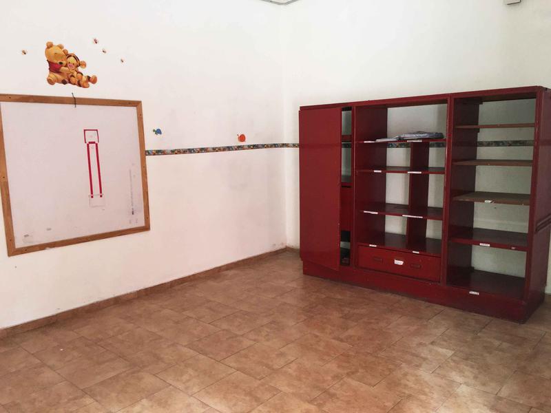 Foto Oficina en Alquiler en  Castelar Sur,  Castelar  M. Irigoyen al 100