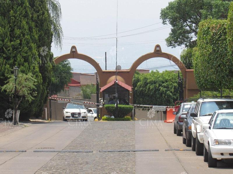 Foto Terreno en Venta en  Fraccionamiento Real de Tetela,  Cuernavaca  TERRENO EN FRACCIONAMIENTO EXCLUSIVO - T28
