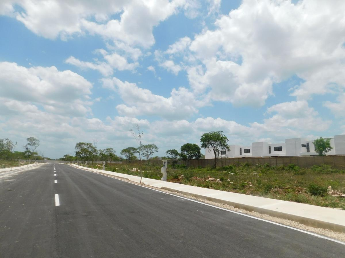 Foto Terreno en Venta en  Conkal ,  Yucatán  Lote urbanizado listo para construir en venta 356 m2