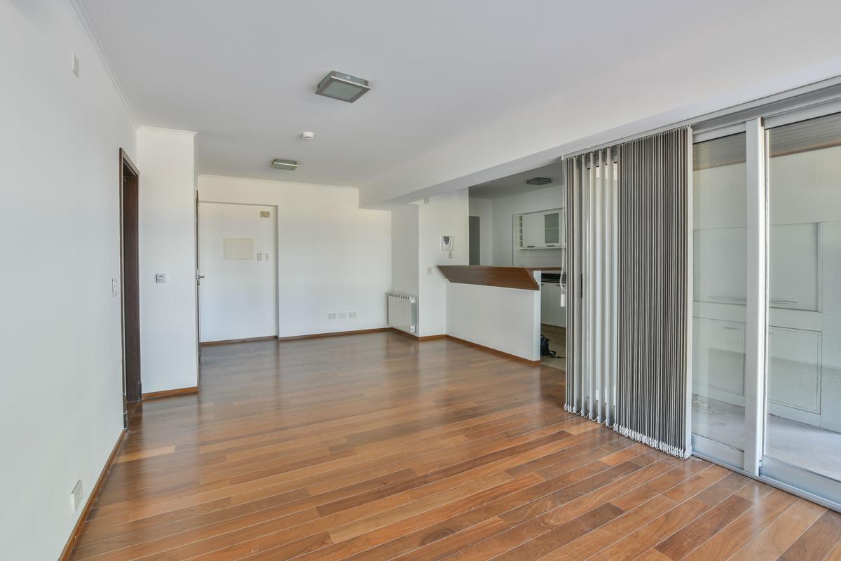 Av. Belgrano 900 | Piso exclusivo de 2 dormitorios con cochera y baulera en el mismo nivel.