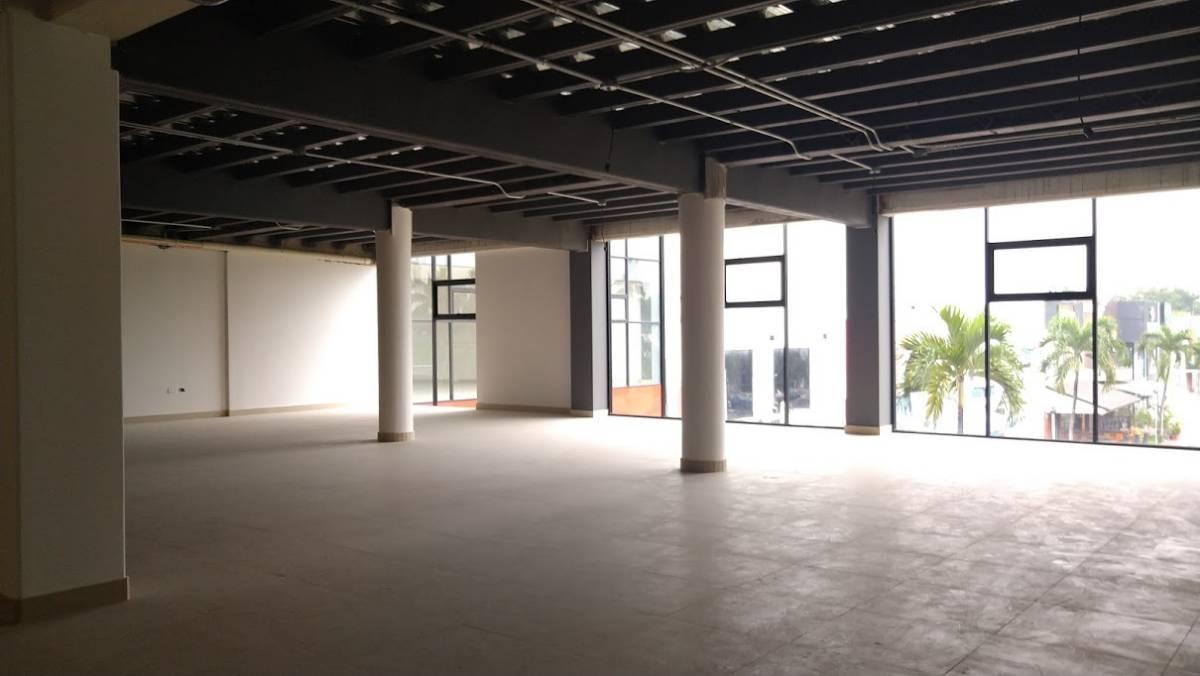 Foto Oficina en Venta | Alquiler en  Norte de Guayaquil,  Guayaquil  Urdesa Central, Aventura Plaza local comercial