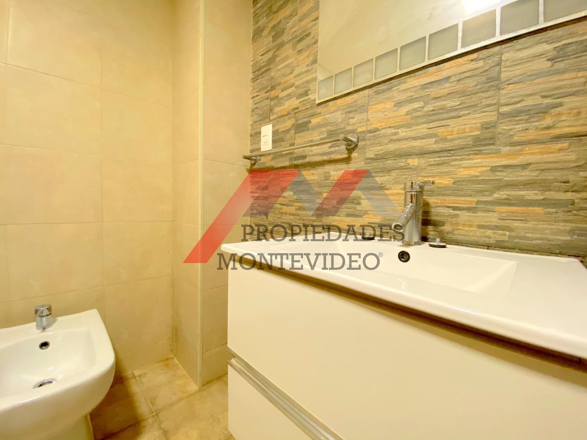 Foto Apartamento en Alquiler en  Malvín ,  Montevideo  Malvin, Candelaria y Av Italia