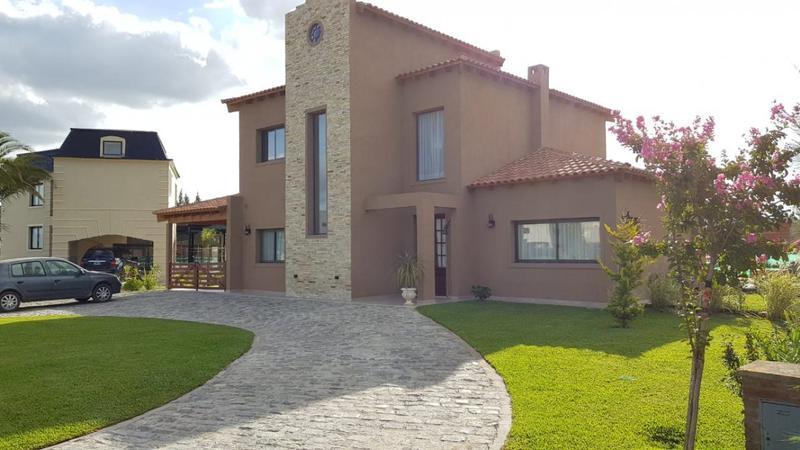 Foto Casa en Venta en  El Principado,  Countries/B.Cerrado (San Vicente)  Venta - Casa en El Principado