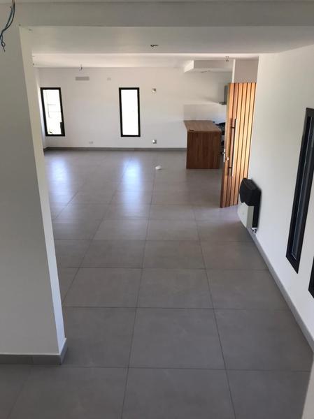 Foto Casa en Venta en  Santa Juana,  Canning (E. Echeverria)  Santa Juana, Canning