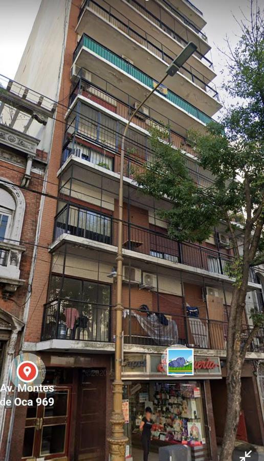Foto Departamento en Alquiler en  Barracas ,  Capital Federal  MONTES DE OCA al 900