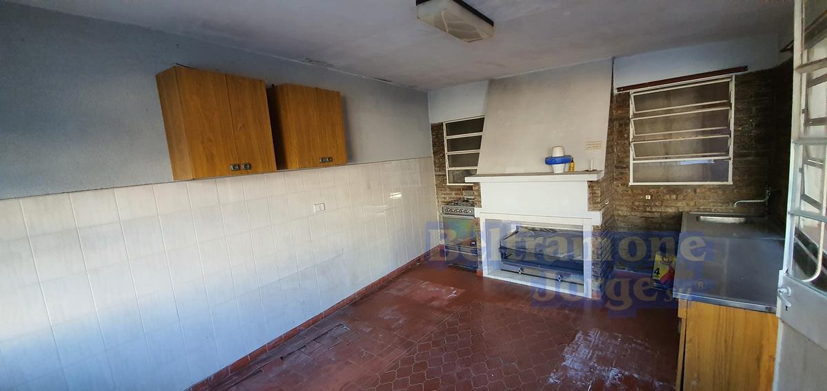Foto Casa en Venta en  Bo.San Martin,  San Lorenzo  R. Riccheri al 400