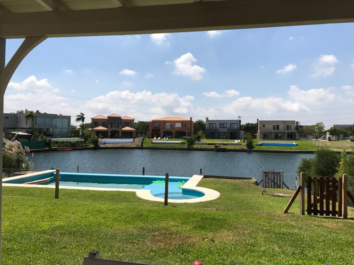 Foto Casa en Alquiler en  Los Lagos,  Nordelta    Los Lagos.Alquiler Hermosa Casa al Lago, 4 dormitorios, jacuzzi