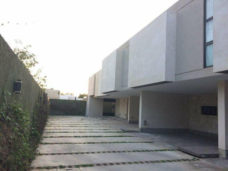 Foto Departamento en Renta en  Maya,  Mérida  En renta townhouse en privada en frente de Altabrisa, al norte de Mérida, Yuc., Méx.