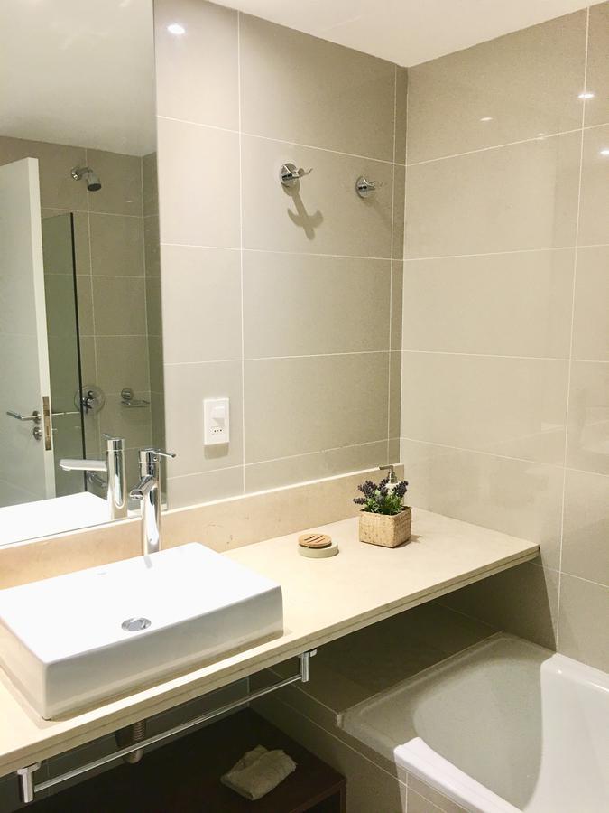 Foto Departamento en Venta | Alquiler temporario en  Playa Brava,  Punta del Este  OPORTUNIDAD! Cerca el mar - Excelente entorno, 2 dormitorios + 2 baños. + garaje + servicios