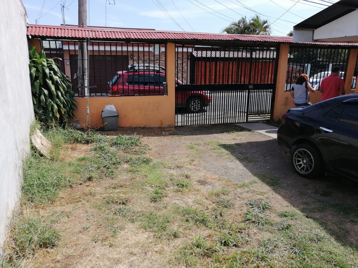 Foto Casa en Venta en  San Rafael Arriba,  Desamparados  San Rafael Arriba de Desamparados / Independiente / 2 casas alquiladas