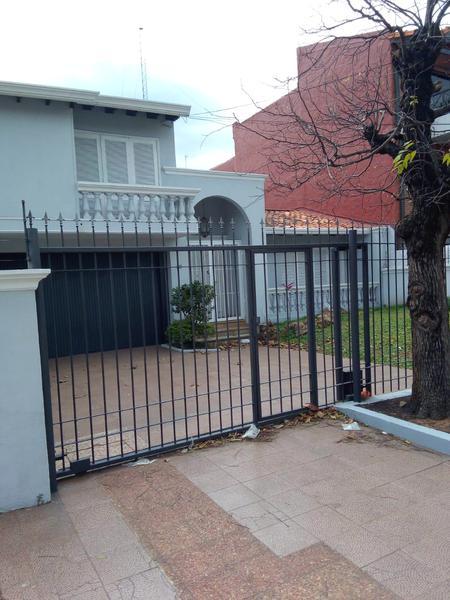 Foto Casa en Alquiler en  Las Carmelitas,  Santisima Trinidad  Zona Carmelitas