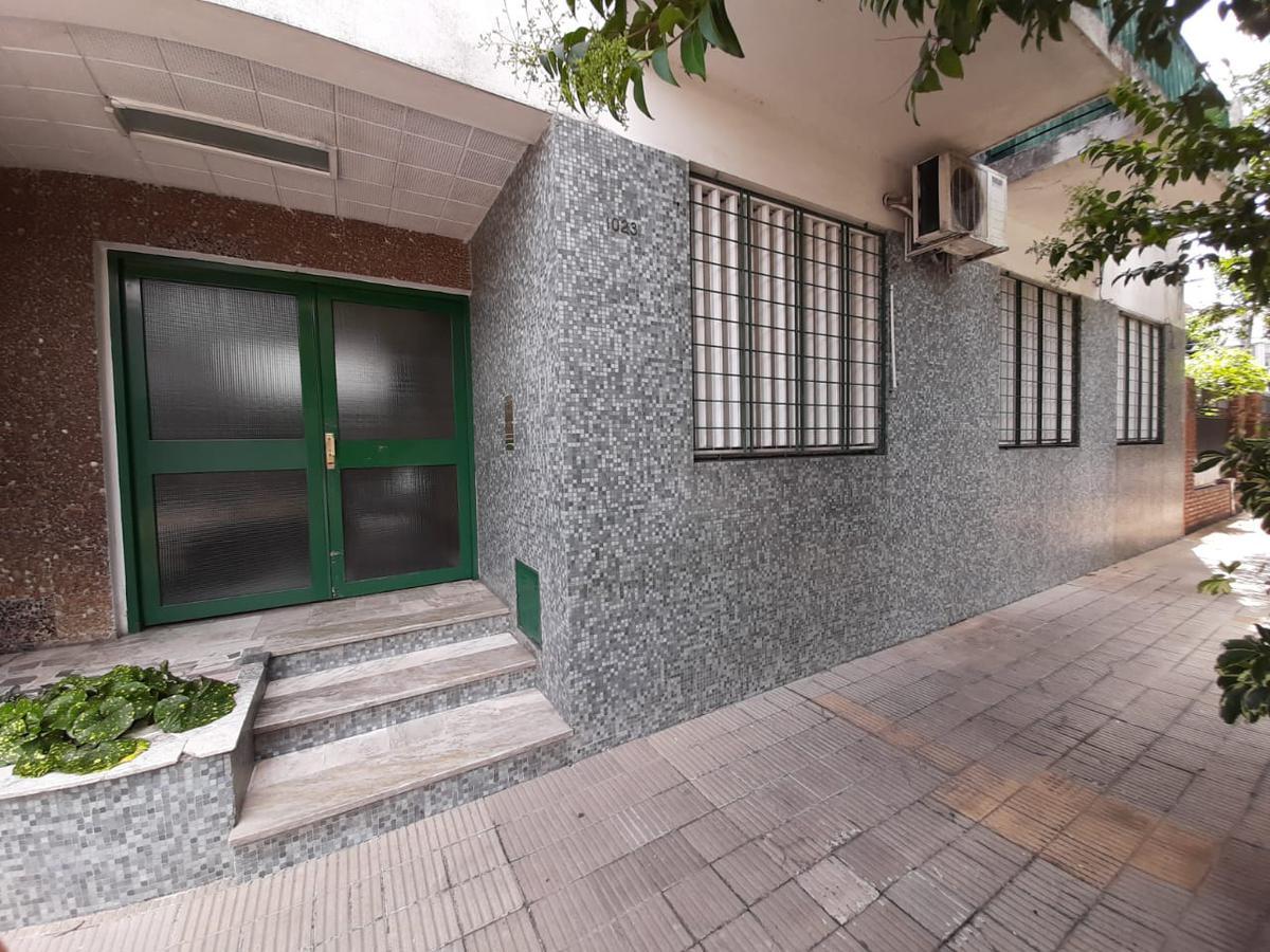 Foto Departamento en Venta en  La Lucila,  Vicente Lopez  Alferez Hipolito Bouchard al 1000