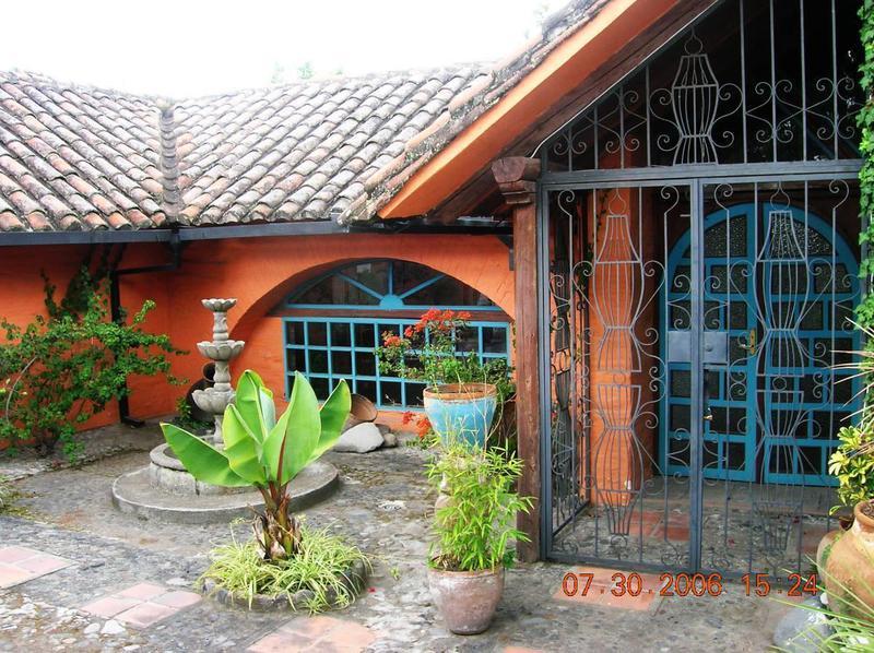 Foto Casa en Venta en  San Rafael,  Quito  Capelo