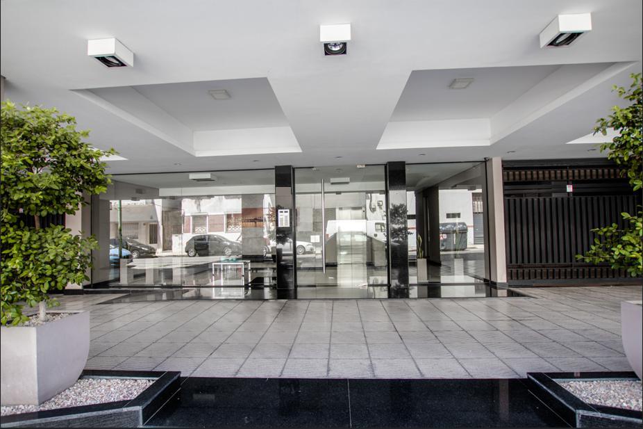 Foto Departamento en Venta en  Caballito ,  Capital Federal  OPORTUNIDAD en Cálcena al 260 Dpto 3 Ambientes con balcón y patio + Cochera INCLUIDA EN PRECIO.