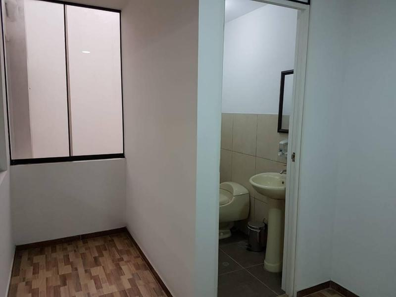 Foto Oficina en Alquiler en  Santiago de Surco,  Lima  Calle Valencia 1xxx