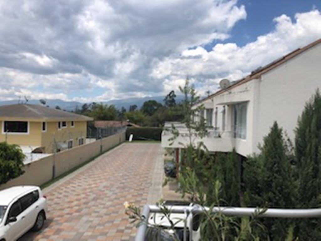 Foto Casa en Venta en  Tumbaco,  Quito  Linda casa, Intervalles