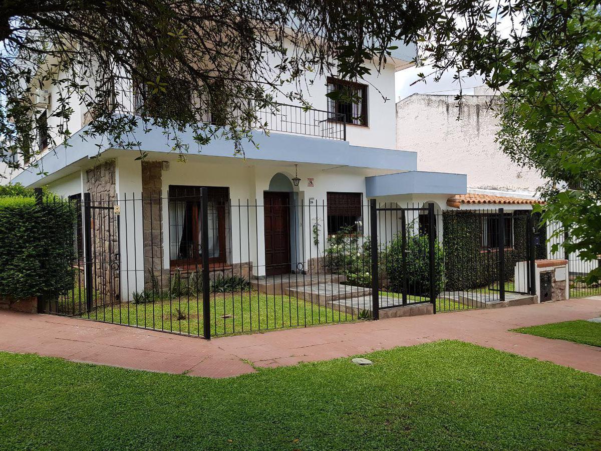 Foto Casa en Venta en  Bo.Tres Cerritos,  Salta  LOS AZAHARES 294