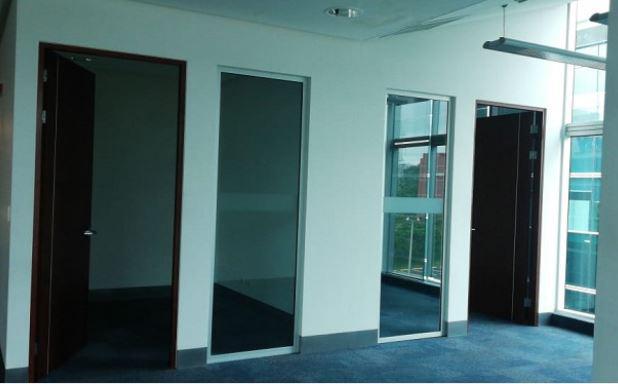 Foto Oficina en Renta en  Santa Ana ,  San José  Forum II / 33 estacionamientos / 1075 m2