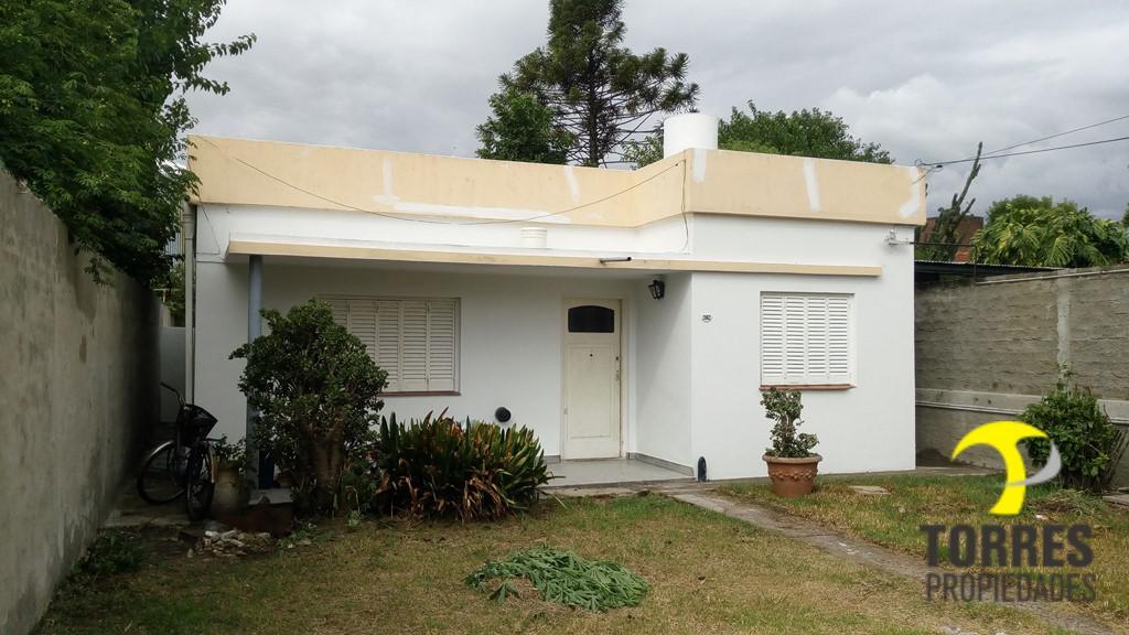 Foto Casa en Venta en  Villa Adelina,  San Isidro  Potosi al 2000