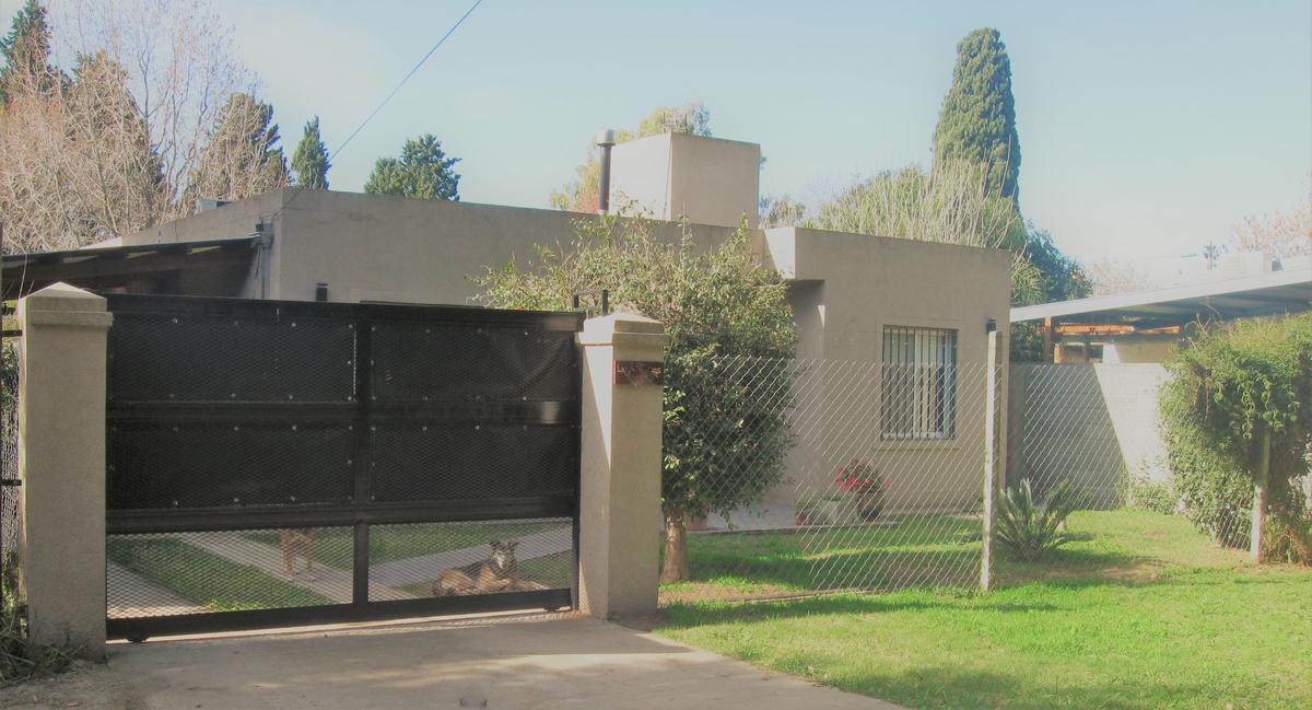 Foto Casa en Venta en  El Candil,  Belen De Escobar  Las Anemonas 300