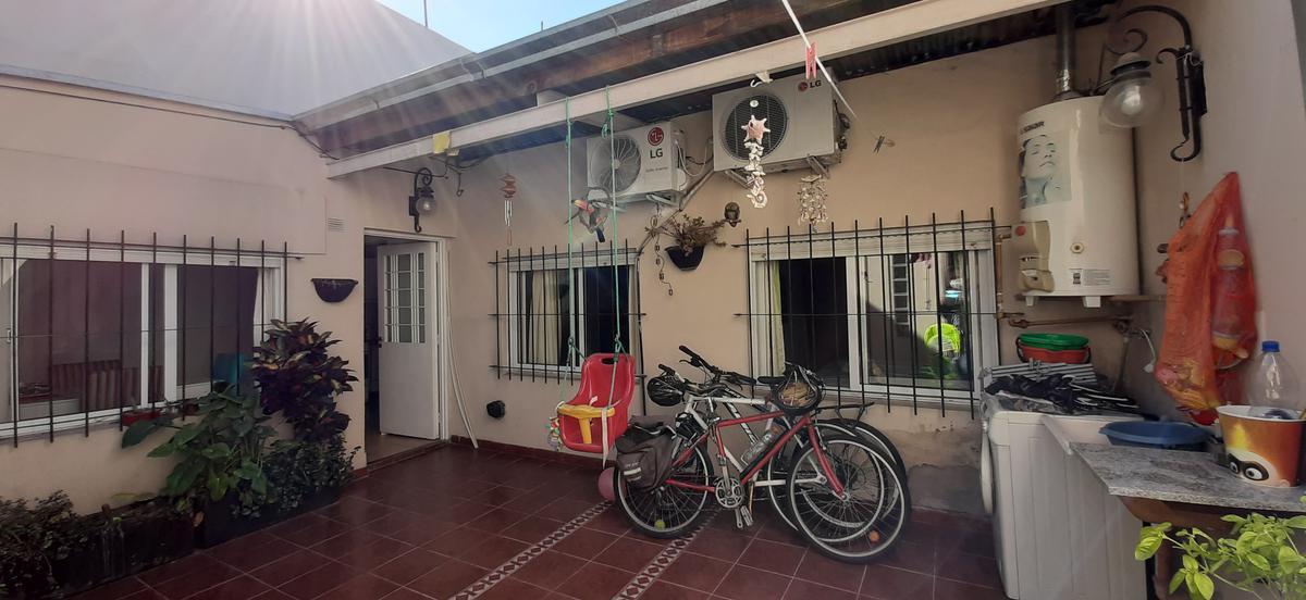 Foto PH en Venta en  Villa Pueyrredon ,  Capital Federal  Lopez Merino al 3900