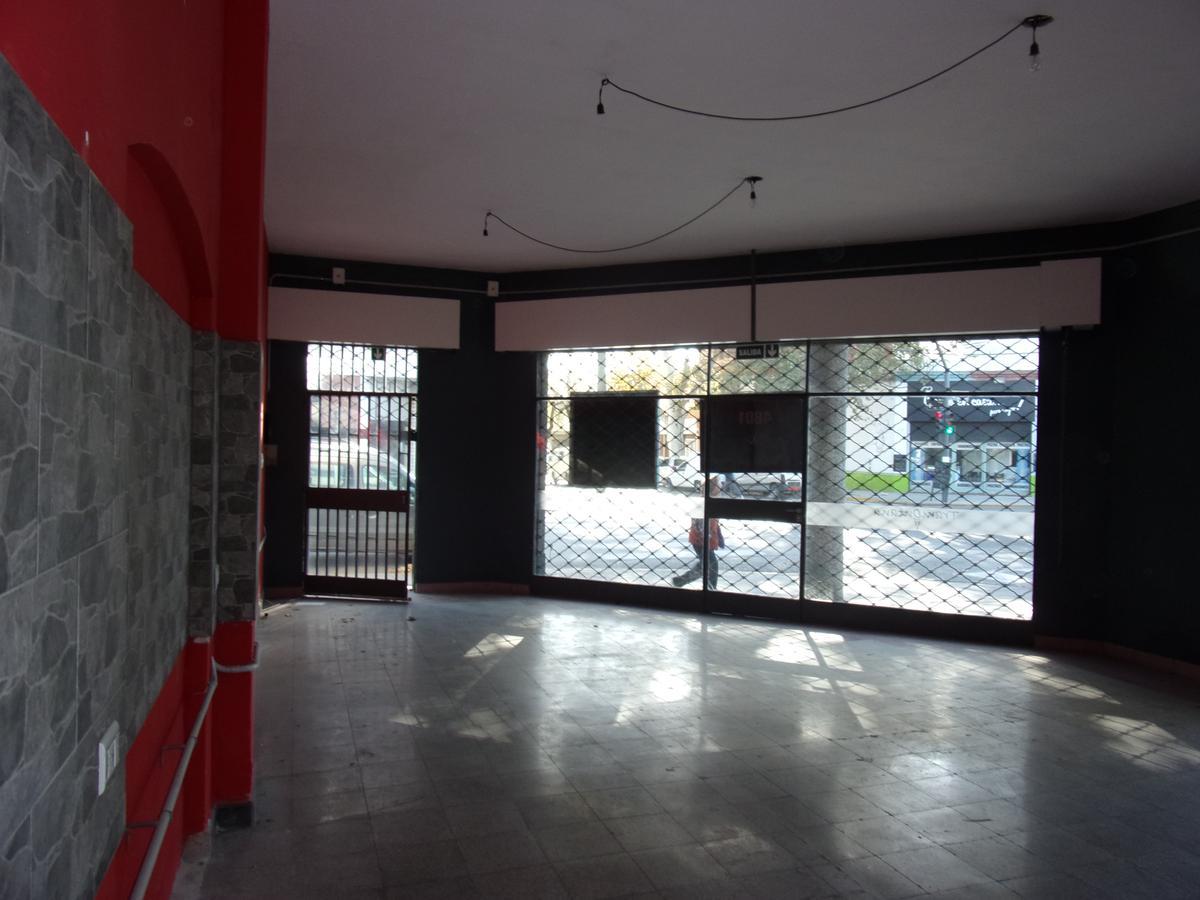 Foto Local en Alquiler en  Rosario ,  Santa Fe  MENDOZA al 4800