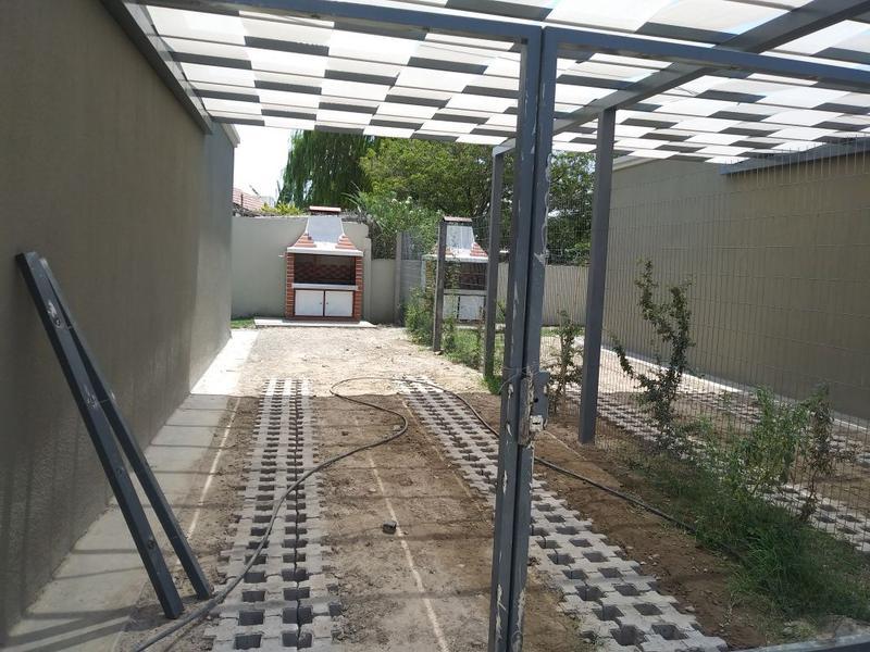 Foto Casa en Alquiler en  Rivadavia ,  San Juan  Av Paula Albarracion de Sarmiento y Diagonal