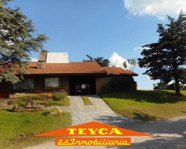Foto Casa en Venta en  Pinamar ,  Costa Atlantica  DE LA Sirena 529