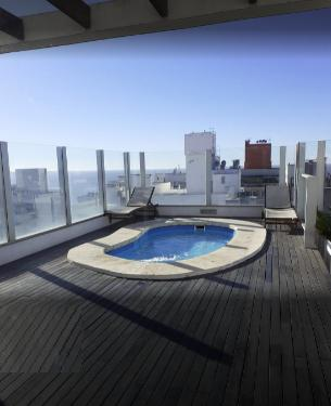 Foto Departamento en Alquiler en  Punta Carretas ,  Montevideo  Suite, piscina, gimnasio, metros de rambla