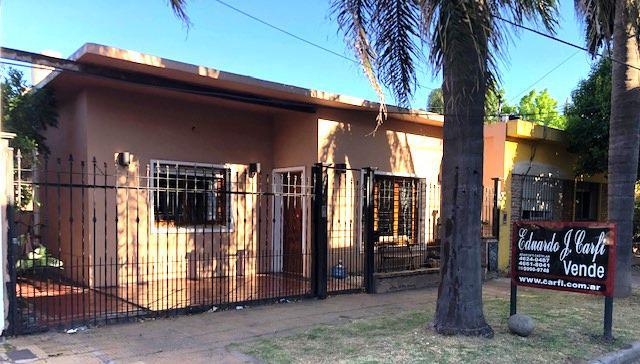 Foto Casa en Venta en  Castelar Norte,  Castelar  Pehuajo al 500