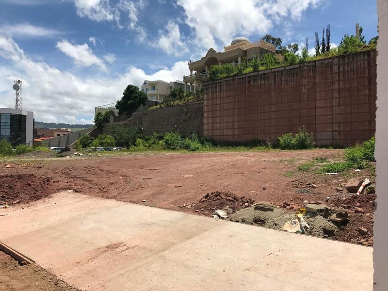 Foto Campo en Renta en  Lomas del Guijarro,  Tegucigalpa  Terreno Comercial en Lomas del Guijarro