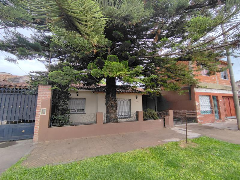 Foto Casa en Venta en  Villa Luzuriaga,  La Matanza  Guido Spano al 3000
