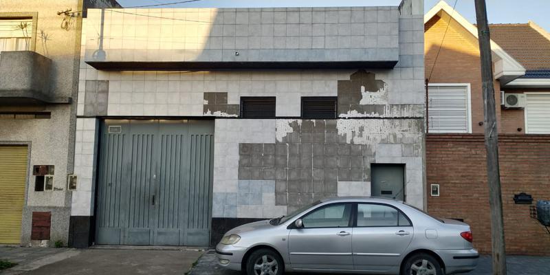 Foto Galpón en Venta |  en  Lanús Oeste,  Lanús  CORONEL DELIA al 2300