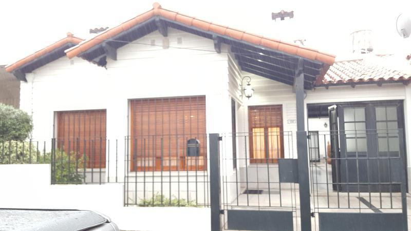 Foto Casa en Venta en  Lomas de Zamora Oeste,  Lomas De Zamora  JORGE NEWBERRY al 100