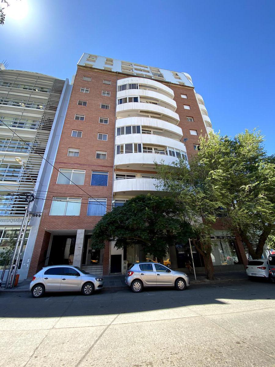 Foto Departamento en Alquiler en  Área Centro Este ,  Capital  Brown al 100