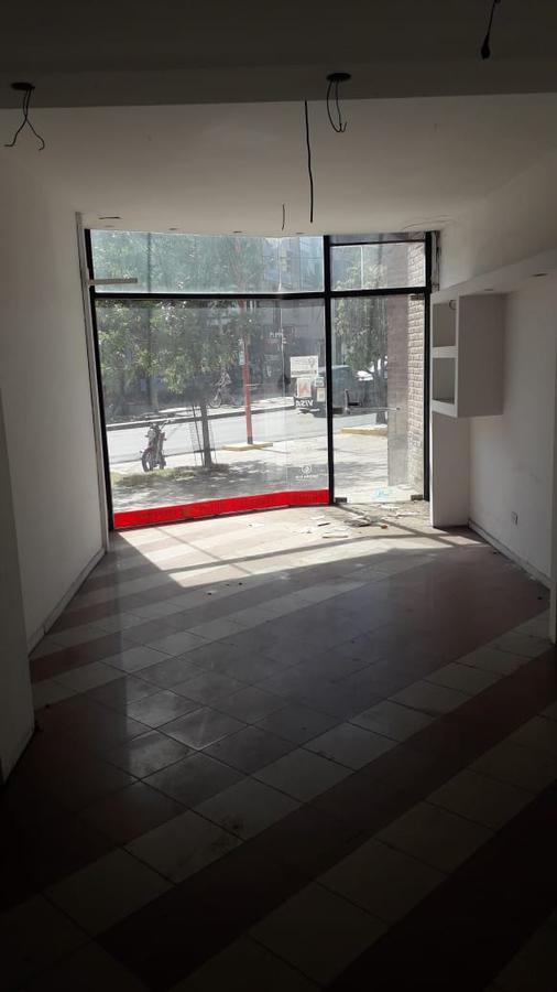 Foto Local en Venta en  Villa Carlos Paz,  Punilla   SE VENDE ENORME LOCAL - EXCELENTE UBICACIÓN AV. CÁRCANO